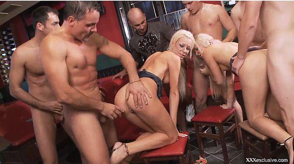 σεξουαλικά όργια σε πάρτι